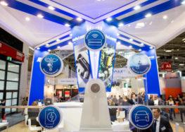 """Weltweite Studie """"Elektronik der Zukunft"""": Was Verbraucher über KI, Roboter und digitale Sicherheit denken"""