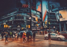 """Deloitte """"Global Powers of Retailing 2019"""": Ein gutes Jahr für den Handel"""